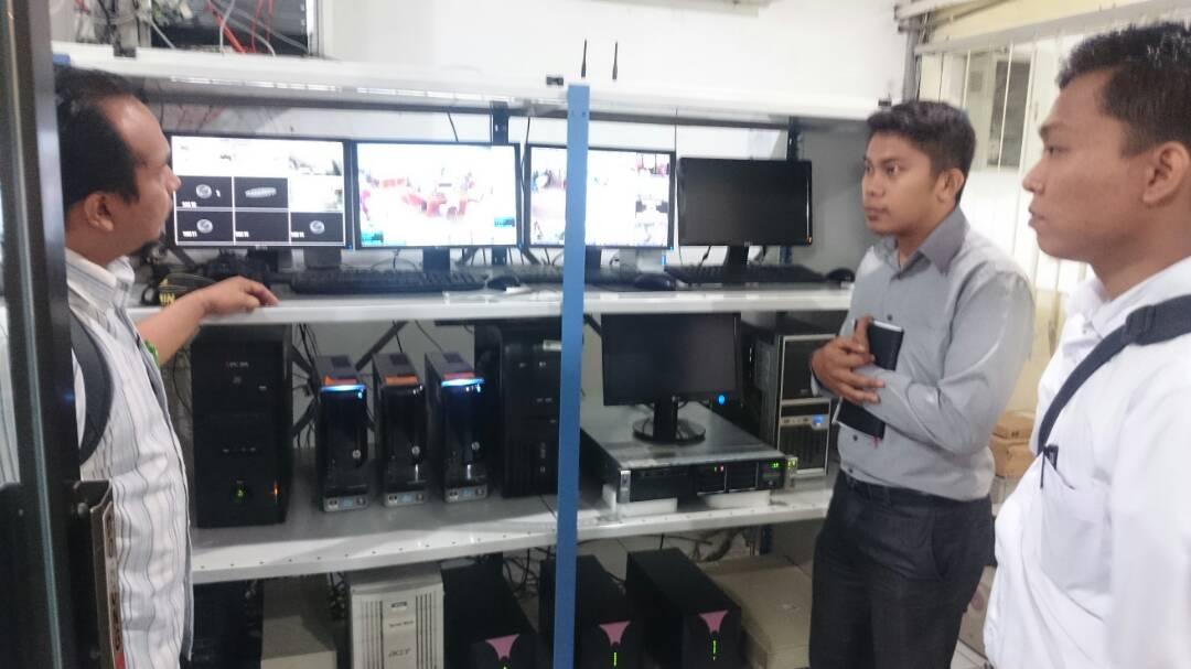 pustakawan uma belajar repository server
