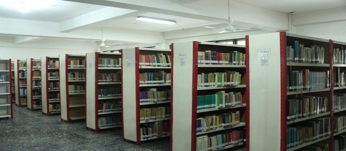 ruang penyimpanan koleksi perpustakaan uma