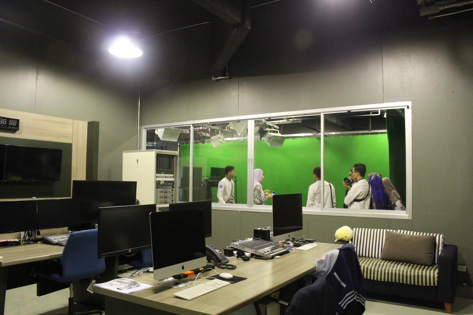 Ruang Studio (Greenscreen)